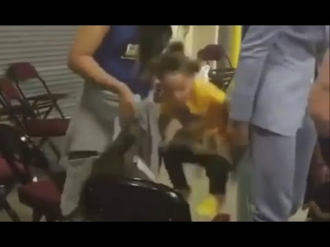 Riley Curry Acts Up on Camera Again