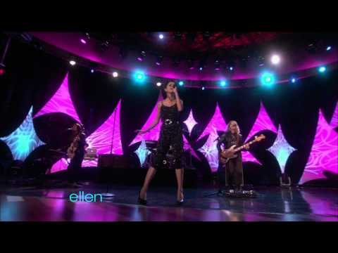 HD Selena Gomez - A Year Without Rain [The Ellen DeGeneres Show]