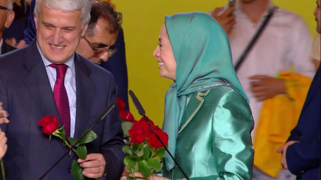Accueil des personnalités albanais au grand rassemblement pour un Iran libre – Le Bourget – 9 juille
