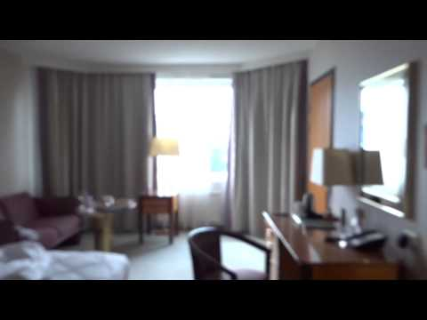 September 2014: Hotel Room Tour, Hilton Hotel Helsinki Stran