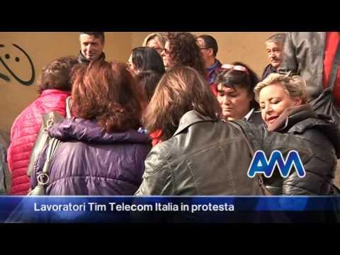 Lavoratori Tim Telecom Italia in protesta