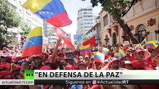 """Chavismo toma las calles de Caracas para manifestar """"en defensa de la paz"""""""