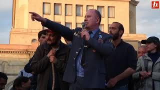 Ոստիկանության փոխգնդապետի ելույթը Հանրապետության հրապարակում