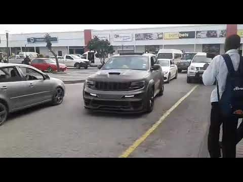 Jeep grand cherokee srt8 700hp travels 5km for 4 minutes
