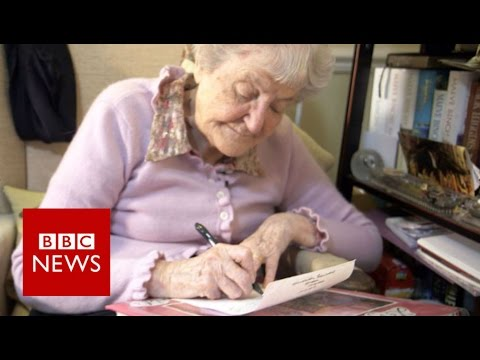 A friendship written in 50,000 letters - BBC News