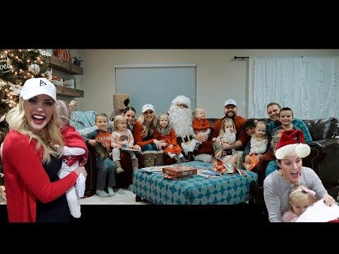 EARLY CHRISTMAS SURPRISE | EPIC FAM MAIL AND SANTA CAME TO OUR HOUSE!