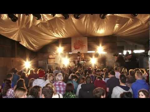 Jim Lockey and the Solemn Sun - England's Dead - Barn on the Farm 2012.mov