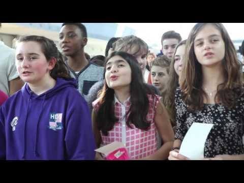 The International School of The Hague sings for the Climate Mayor