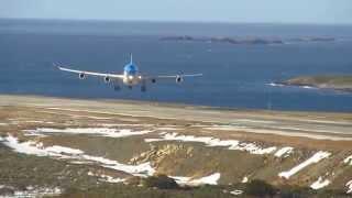 ATERRIZAJE CON VIENTO CRUZADO EN USHUAIA  EN UN  A340 DE AEROLINEAS ARGENTINAS