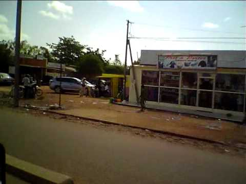 Ouagadougou la patte d 39 oie youtube for Garage patte d oie