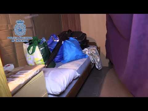 La Policía Nacional libera a 20 personas que vivían confinadas en un restaurante