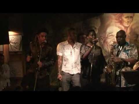 SOUL MAKOSSA Manu Dibango Featuring Yannick Noah & Wayne Beckford