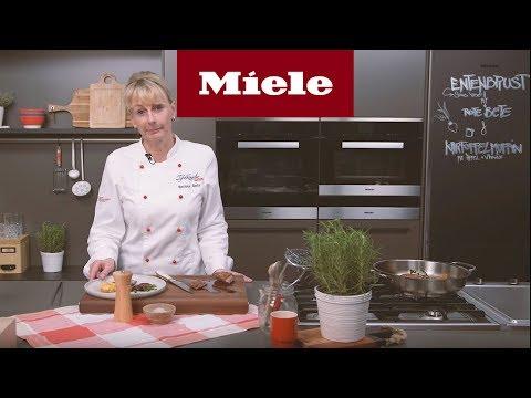 rezeptvideo:-entenbrust-mit-roter-bete-und-kartoffelmuffin-i-miele