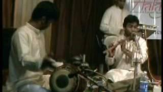 Download Hindi Video Songs - Flute solo by Vijayprakash