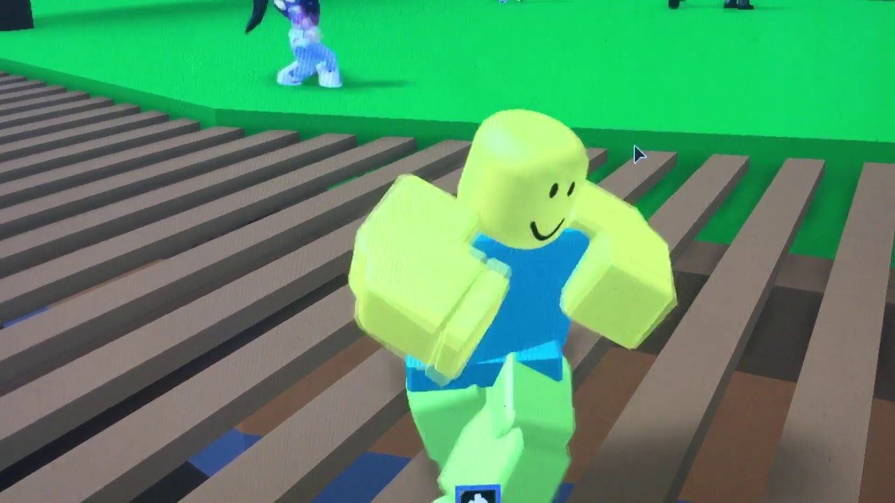 roblox noob doing default dance gif Default Dance In Roblox Why Youtube