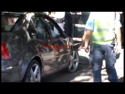 Un policía borracho se quedó dormido y chocó a dos autos en la Avenida Argentina
