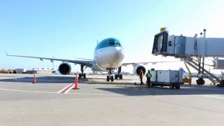 Aer Lingus A330 Airbus arriving at JetBlue Airways Terminal 5 JFK by jonfromqueens