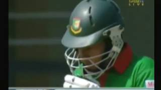 Tamim Iqbal  Munaf Patel Fight 2007 World Cup
