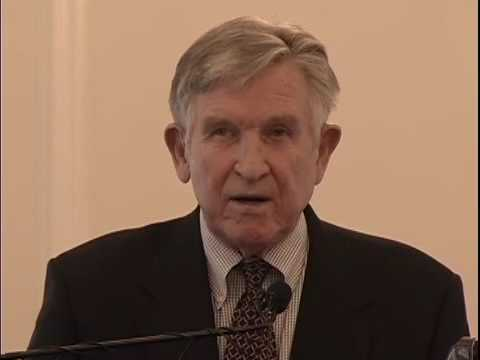 Coach Johnny Majors Honors Prof. Donald Goldstein