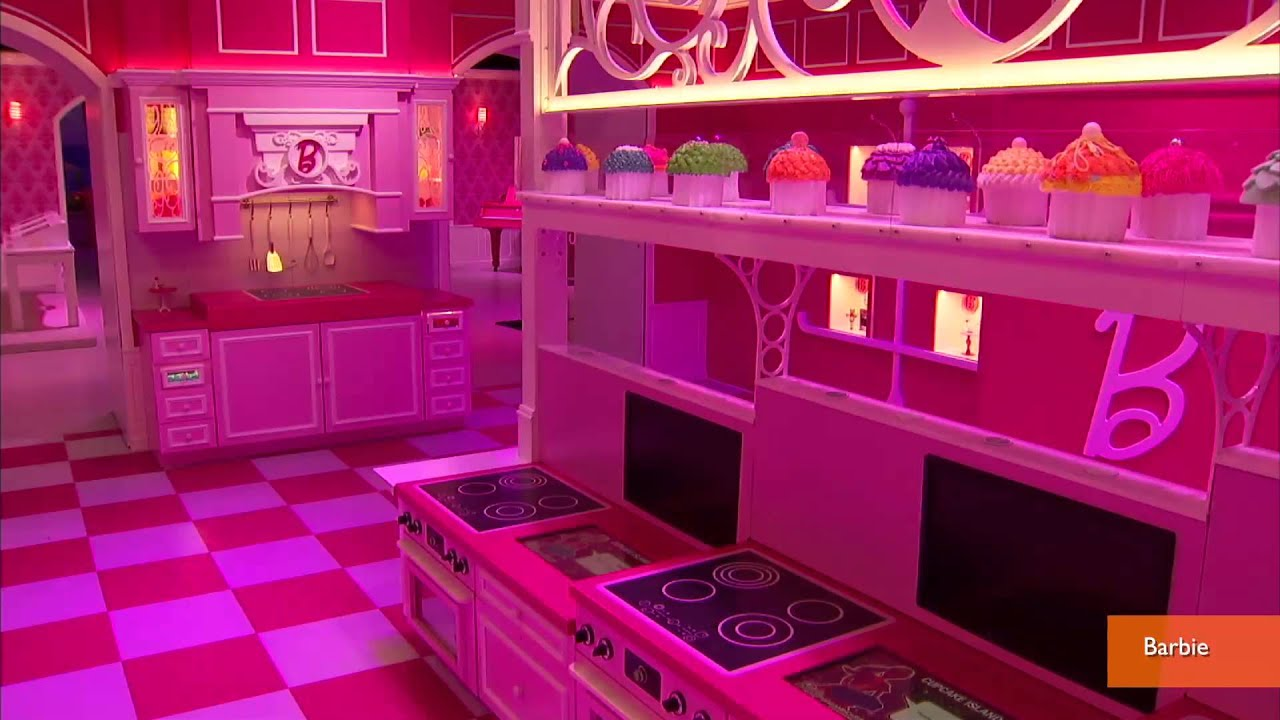 Barbie 39 S Life Size Dream House Opens To Public Youtube