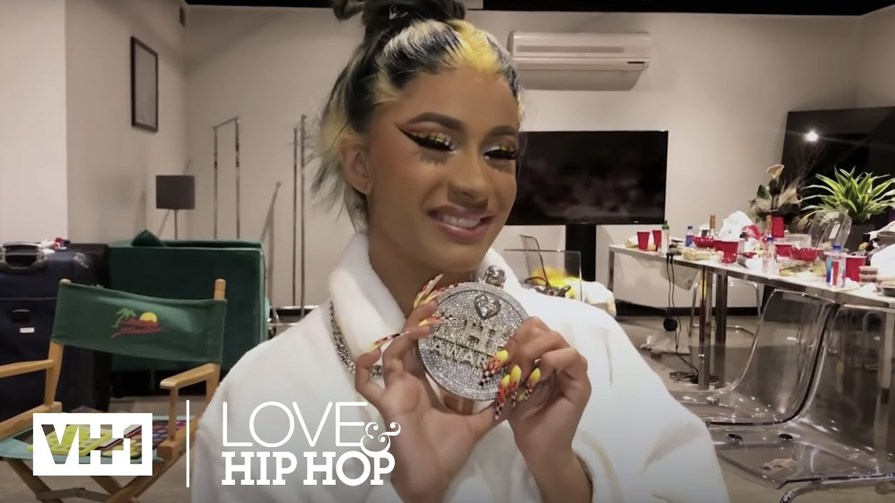"Cardi B Accepts Love & Hip Hop Award for ""Most Quotable"" 