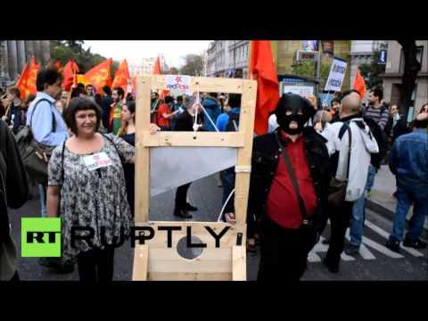 La population de Madrid fête le 84ème anniversaire de la Deuxième République