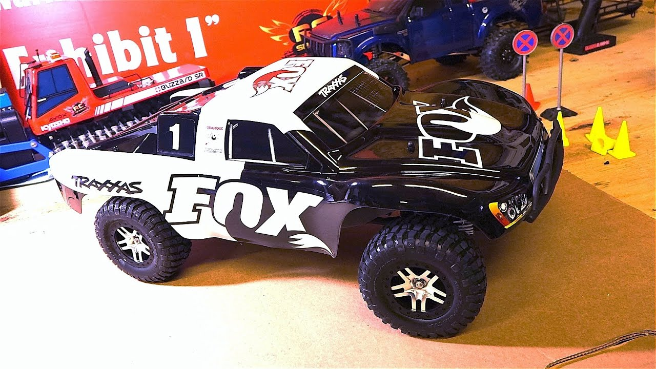 RC ADVENTURES Unboxing a Traxxas Slash 4x4 FOX Edition 2 4GHz 1 10 RTR Brushless Electric RC Truck