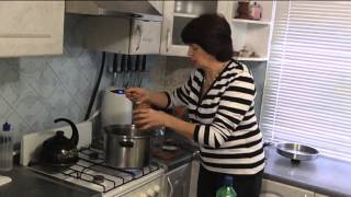 МАРИНОВАННЫЕ ГРИБЫ - простой в приготовлении рецепт.(Как правильно и вкусно приготовить маринованные грибы. На 2 кг. грибов -1л.воды ,1ложка с горкой соли ,2 ложки..., 2013-10-03T14:50:35.000Z)