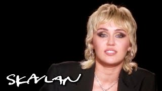 Miley Cyrus on dealing with divorce and loss: - This is why I don't cry too much | SVT/TV 2/Skavlan