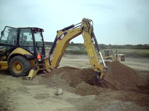 additionally Player in addition Pnv0bosyoci together with Machineryzone also K0c20037. on kobelco mini excavator 35 where is it made