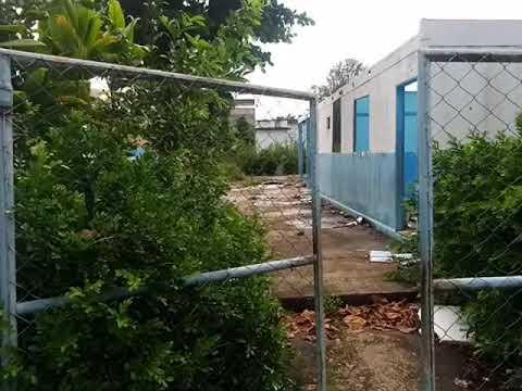Escola caindo aos pedaços no Bairro Taquara Preta em Cataguases