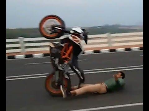 KTM Duke RC 200 390 Stunts Gone Wrong... - KTM Rc/Duke Ninja R15 Pulsar 220 bike loverz
