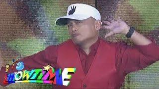 Repeat youtube video It's Showtime: Andrew E raps 'Humanap Ka Ng Pangit'
