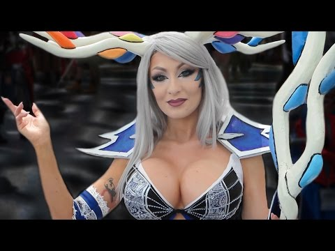 Awkward Interviews with Cosplay Girls at WonderCon 2016
