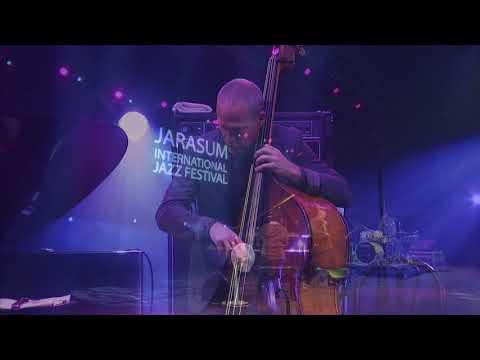Avishai Cohen Trio - 'Dreaming' live (Jarasum International Jazz Festival, 2017)