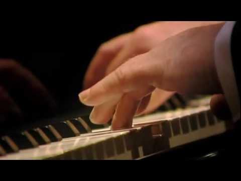 Beethoven, Sonata para piano Nº 11 en Si bemol Opus 22. Daniel Barenboim, piano