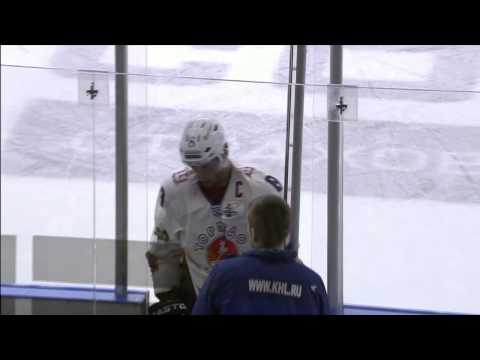 Вольски повздорил с Юдиным / Wolski drops Yudin on SKA slot incident