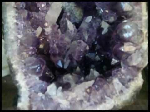 Полудрагоценные камни из Таджикистана можно купить за бесценок на .