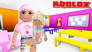 MEET MY ADOPTED DAUGHTER POPPY   Roblox Roleplay   Bloxburg Family