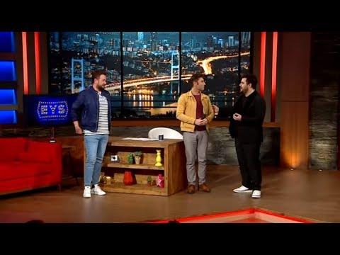Onur Büyüktopçu Ve Sinan, Eser Yenenler Show'da ! Yemekteyiz'i Birbirine Karıştıran Adam Sinan !
