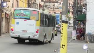 Baixar Shootout between Brazilian cops and drug dealers leaves 13 dead