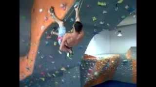 david en rocodromo sevilla rock wall cimbing 7a