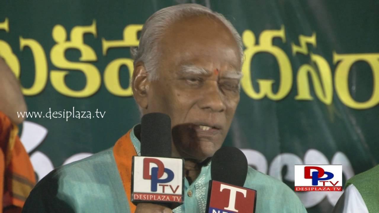 Dr Prakash Rao giving Media byte at TDF Bathukamma & Dasara Sambaralu - 2016