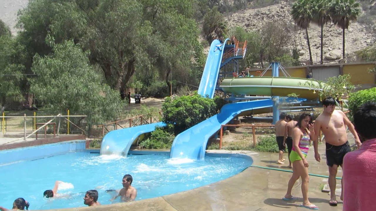 Club los toboganes de santa ana y sus piscinas youtube for Piscinas con toboganes