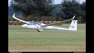 Flying the Duo Discus sailplane glider high speed low pass & landing Roy Dawson video