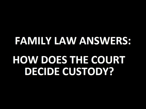 How does the court decide whether to award joint or sole legal custody?