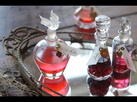 How to Make Perfume Bottle Place Cards (Great for Your Valentine's Day Table) - 동영상