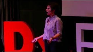 Mükemmel Annelik Beni Teğet Geçti! | Hande Birsay | TEDxENKASchools