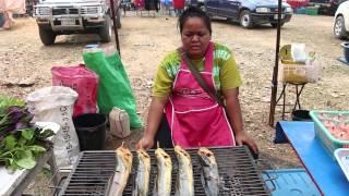 Khej Me Tajlaj Tshav Puam 2015 ( Flea Market Khek Noi )