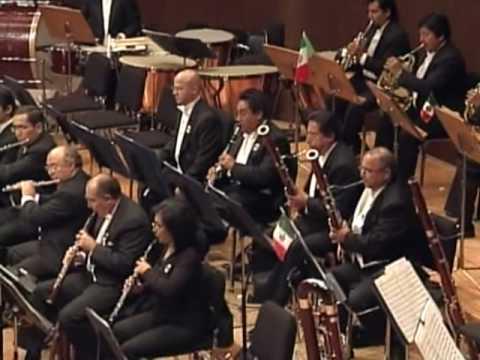 Revueltas - Janitzio.   AVI OSTROWSKY - Conductor,  OFUNAM Philharmonic Orchestra